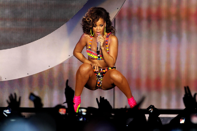 Rihanna Performs At The O2 Arena - Loud Tour